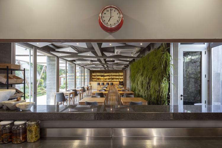 Margot Restaurant_10