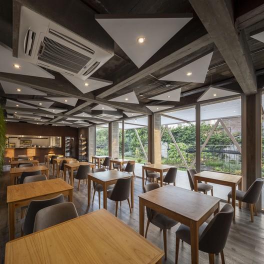 Margot Restaurant_19